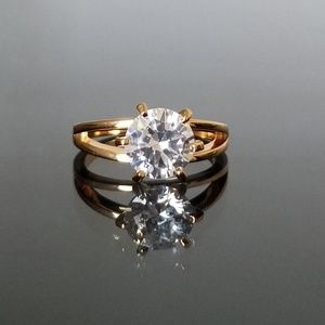 Jewelry - 18kt Gold Diamond Solitaire Ring